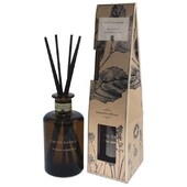 An amazing fresh aroma to freshen any space...Renew is a blend of cedarwood and amber musk with notes of oud....available in all styles of our apothecary range #apothecary #natural #scented #diffuser   http://ow.ly/cXeB50E75En